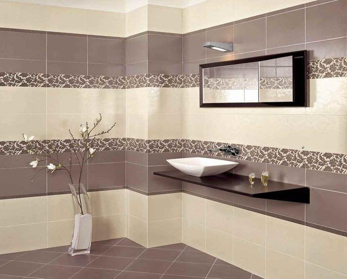 вариант яркого декора укладки плитки в ванной комнате
