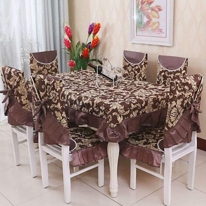 Чехлы коричневого цвета на стулья для кухни своими руками