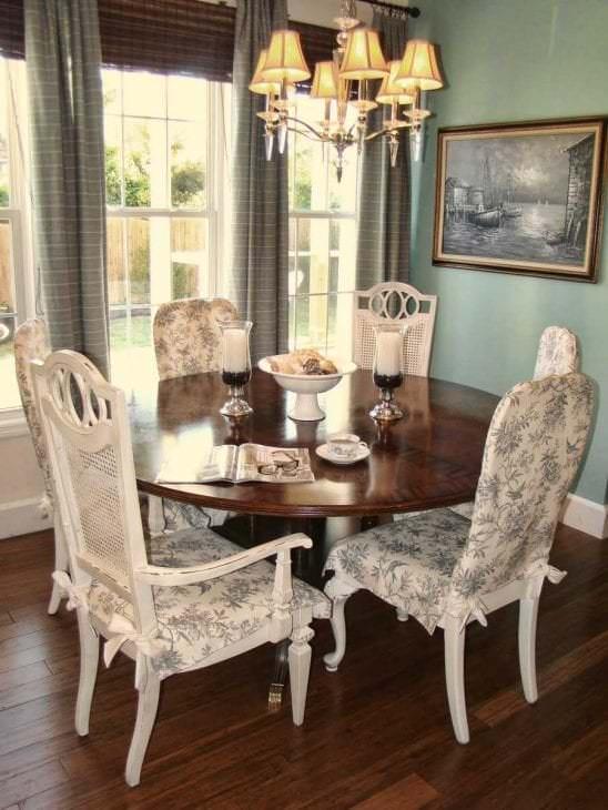 Чехлы накидные на стулья для кухни в классическом стиле