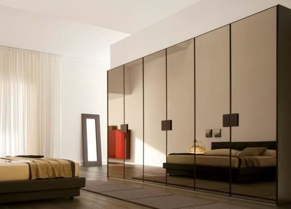 schlafzimmerschrank-design-spiegel-kleiderschrank