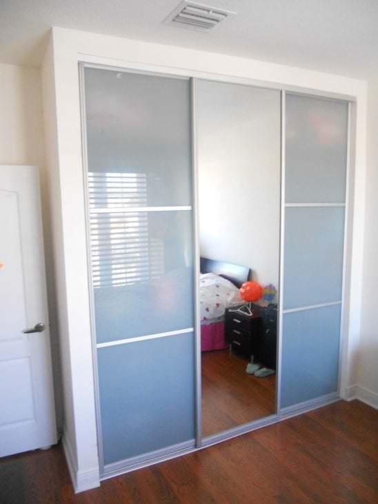 Двери купе для гардеробной 49 фото.
