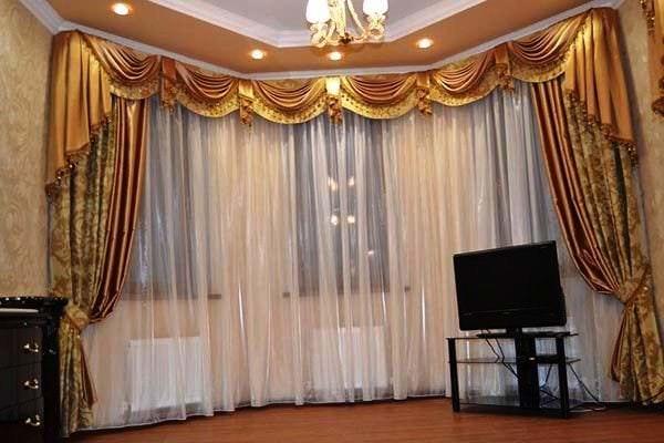 Ламбрекены для зала: фото варианты оформления интерьера