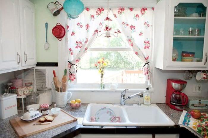 Идеи шторы на кухню фото