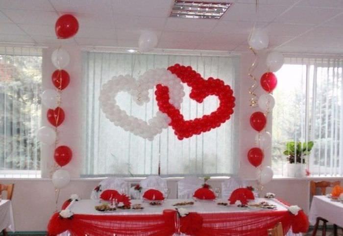 красно-белые шарики