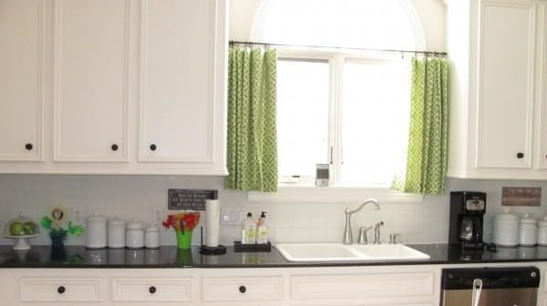 minimalist-green-curtains-kitchen-window