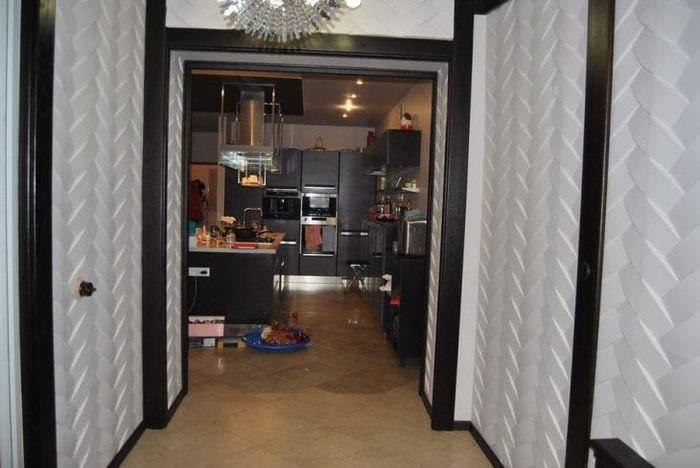 Современные варианты отделки, модные тенденции для стен в прихожей с фото