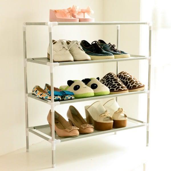 Металлическая этажерка для обуви в прихожей - эталон порядка, подчеркивание классического стиля интерьера