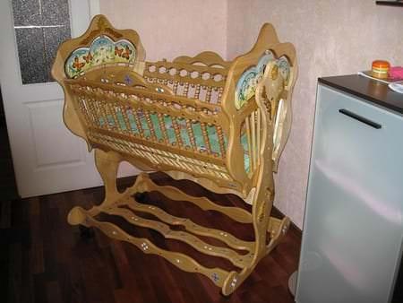 Деревянная детская кроватка-колыбель для новорожденного малыша