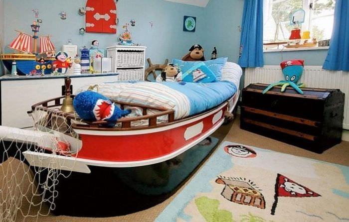Фото дизайна детской комнаты в морском стиле для мальчика