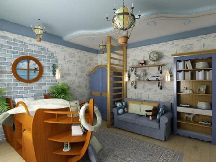 Интерьер детской комнаты в морском стиле с кроватью в виде корабля