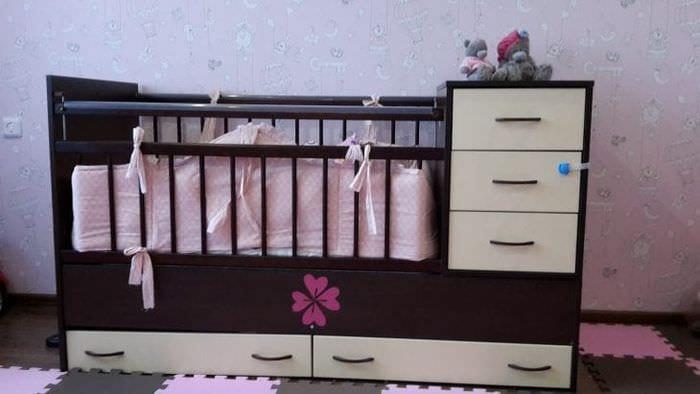 Детская стильная кровать трансформер для девочки