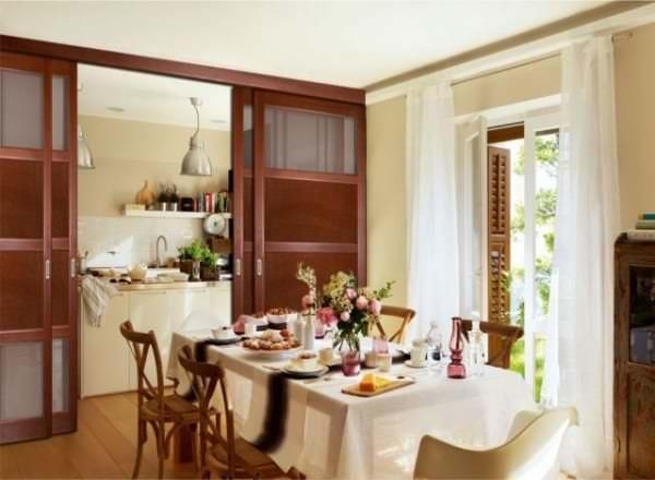 Особенности выбора перегородки между гостиной и кухней