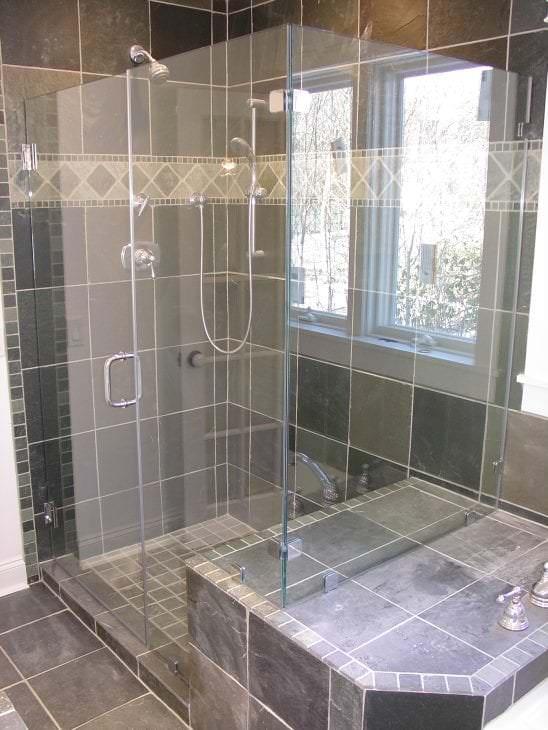 Душевая кабина из прозрачногостекла для ванной комнаты