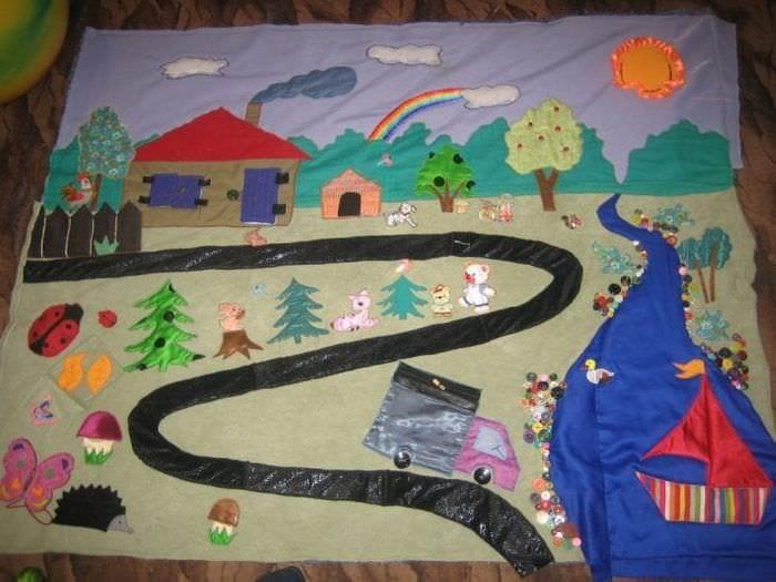 Изготовление развивающего коврика для новорожденного