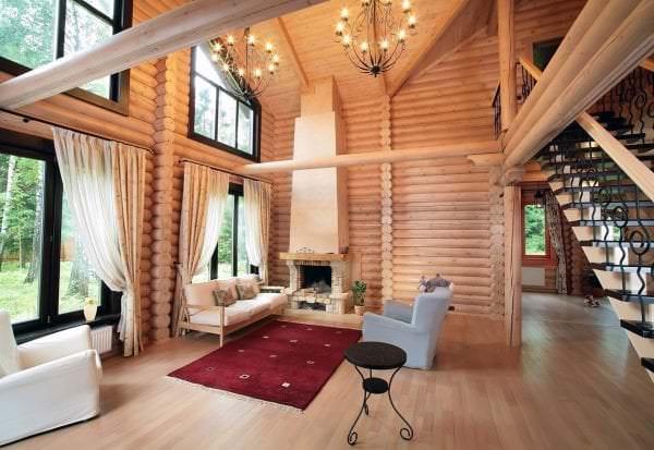 дом с высокими потолками в скандинавском стиле