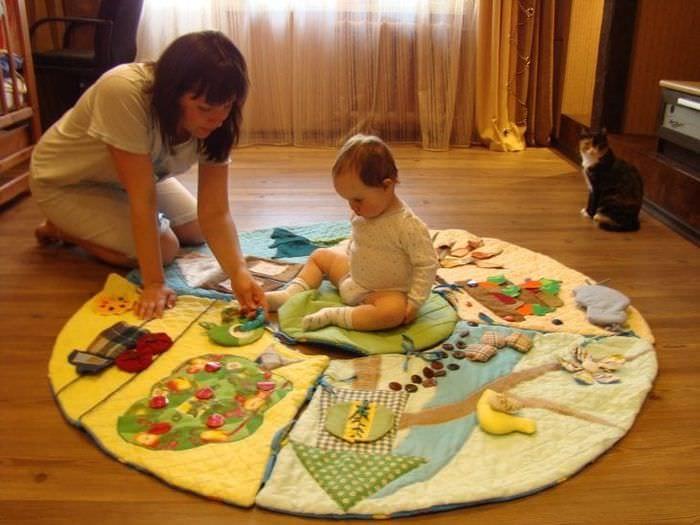 Развивающий коврик своими руками в форме круга