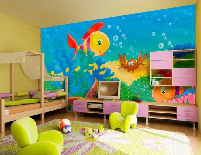 Яркие и стильные обои с крупным рисунком для детской комнаты для мальчика