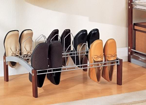 миниатюрная этажерка для обуви из металла