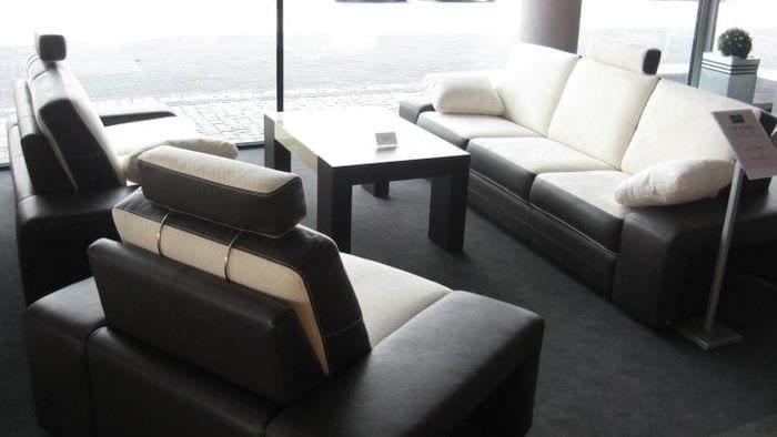Строгий стиль гостиной с модульной системой