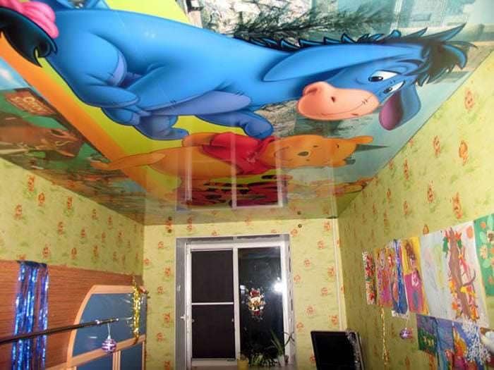 Натяжной потолок с героями мультфильма длядетской комнаты
