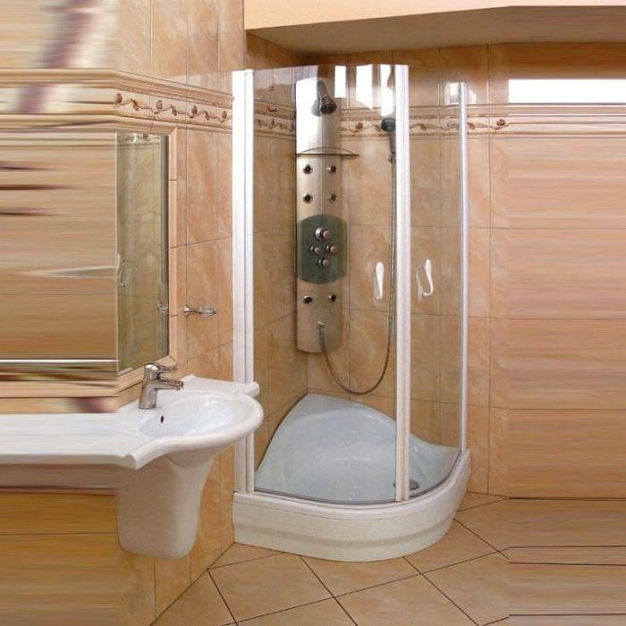 Плюсы угловой душевой кабины в ванной комнате