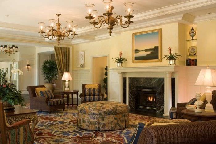 Подбираем камин для интерьера большой стильной гостиной