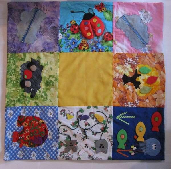 Развивающий коврик из квадратов для детей