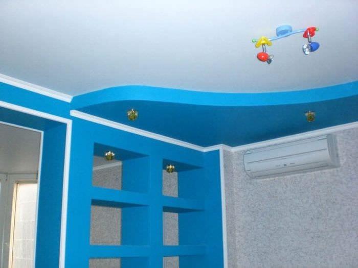 Натяжной потолок с объемными деталями для детской комнаты