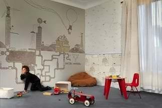 Выбираем фотообои для светлой детской комнаты