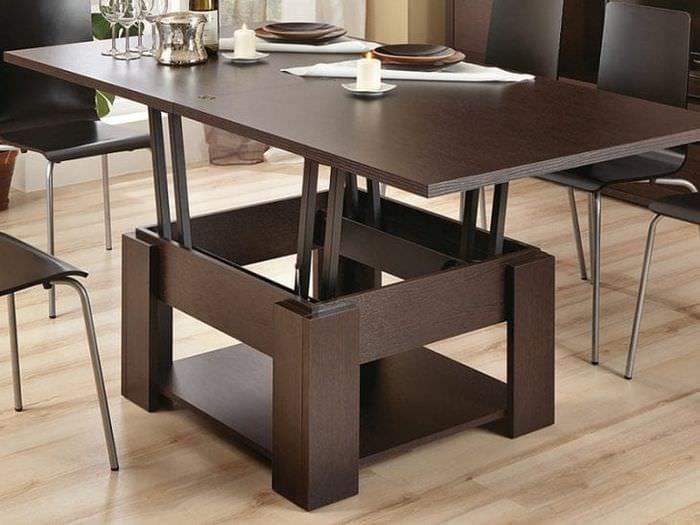Выбираем стол – трансформер для приема гостей