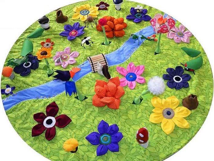Изготовление яркого цветного развивающего коврика
