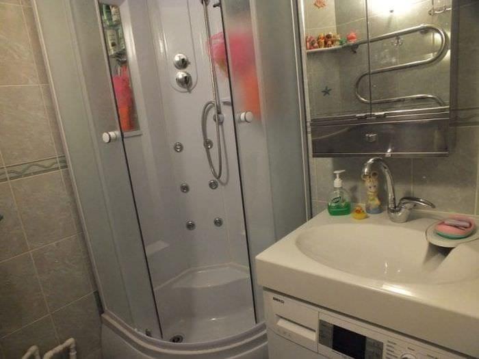 Дизайн идеи по оформлению ванной комнаты с душевой кабиной
