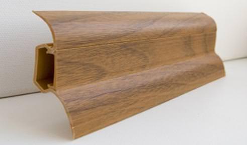 плинтус из дерева в ванну