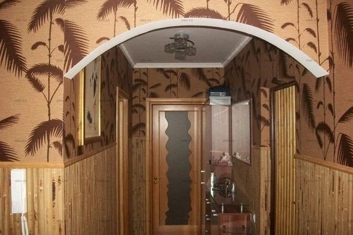 жалюзи с бамбуком в дизайне комнаты