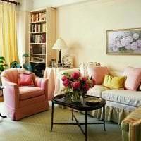 светлая прихожая комната стиль фото