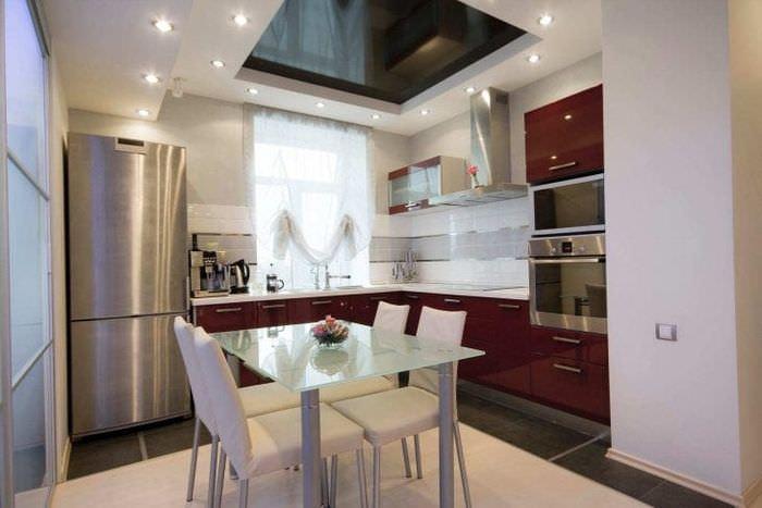 Столы кухонные в интерьере кухни фото