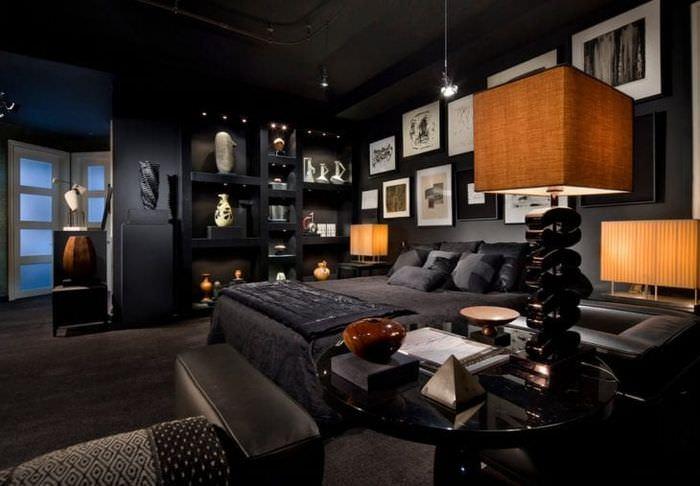 деревянный черный потолок в стиле квартиры