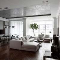стиль потолка с бетоном в гостевой фото