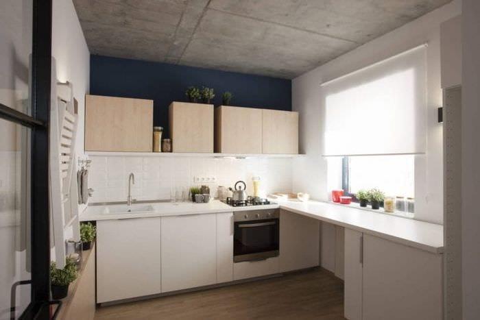 интерьер потолка с бетоном в квартире