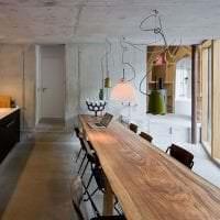 стиль потолка с раствором бетона в комнате картинка