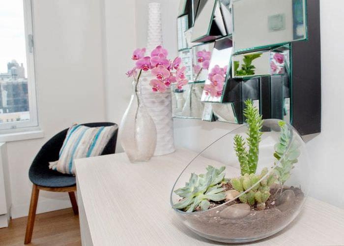 живые цветы в дизайне коридора