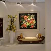 искусственные цветы в стиле гостиной картинка