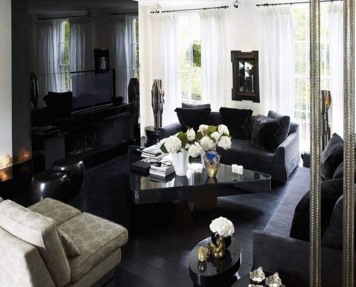 необычный дизайн коридора в черном цвете