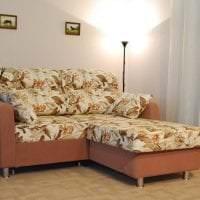 светлый угловой диван в стиле квартиры картинка