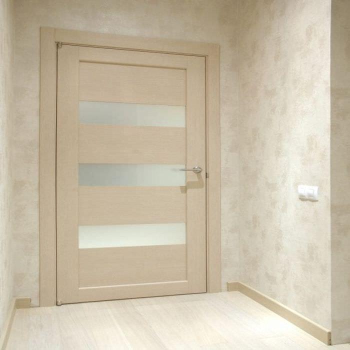 Двери межкомнатные деревянные из массива ясеня, дуба