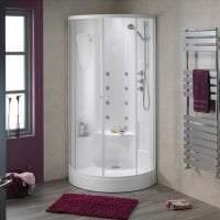 красивый дизайн ванной комнаты с душем в ярких тонах фото