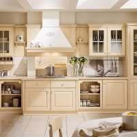 яркий дизайн бежевой кухни в стиле шебби шик фото