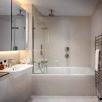 яркий дизайн ванной комнаты с душем в темных тонах картинка