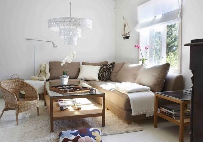 красивый угловой диван в стиле квартиры