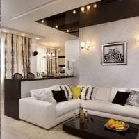 красивый черный потолок в декоре квартиры картинка